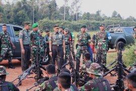 Pangdam Tanjungpura kunjungi daerah perbatasan di Kapuas Hulu