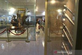 Wisata Museum Keraton Kasepuhan