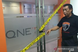 "Tim Cobra Polres Lumajang geledah dan ""police line"" Kantor Q-Net di Jakarta"