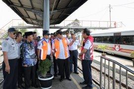 Gubernur Lampung Arinal Djunaidi  berencana kembangkan transportasi KA antarkabupaten