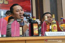 Polresta Pontianak gagalkan penyelundupan ribuan botol miras