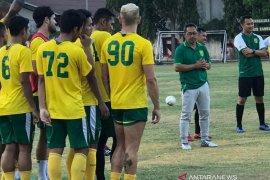 Ditunjuk sebagai pelatih kepala, Aji Santoso pimpin perdana latihan Persebaya