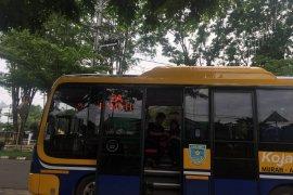 "Bus kapsul ""Koja Trans"" bikin penasaran warga Jambi"