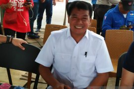 Gunakan truk, Pemkab Tangerang salurkan air bersih untuk warga