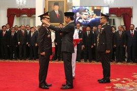 Idham Azis naik pangkat menjadi Jenderal Polisi
