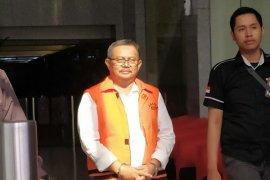 Masa penahanan Bupati Indramayu nonaktif Supendi diperpanjang