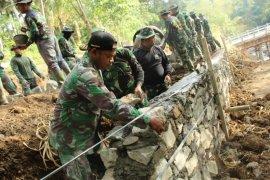 Jembatan hasil TMMD di Tabanan-Bali tingkatkan laju perekonomian