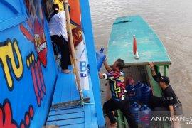Hari ke lima tim pelayanan KB DAS berlabuh di Kota Sintang