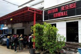 Polrestabes Bandung amankan tujuh staf Akumobil terkait penipuan konsumen