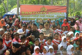 Polda Metro Jaya bantu korban gempa di Maluku