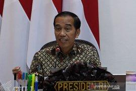 Jokowi ikut tanggapi wacana larangan cadar dan cingkrang oleh Menag