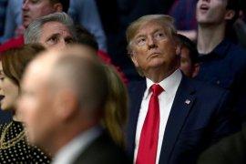 Nonton tarung bebas, Donald Trump malah diejek penonton
