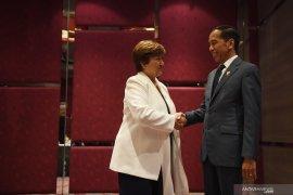 """Saat bertemu Jokowi, IMF sebut ASEAN """"titik terang"""" ekonomi global"""