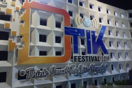 Bondres Ayu Maenah sedot pengunjung DTIK Festival, penonton dibuat tertawa