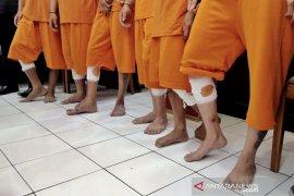 Enam perampok modus gembos ban di Bandung ditembak polisi