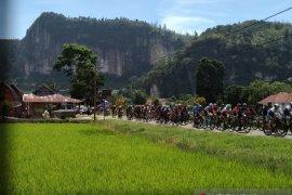94 pebalap disuguhi rute sepanjang  129,9 kilometer etape III TdS