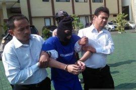 Tersangka pelaku pembunuhan sopir taksi online di Bogor ditangkap