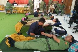 Puluhan pegawai PUPR ikuti aksi donor darah ke PMI Trenggalek