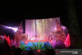 Sanggar Paripurna Bona tampilkan wayang golek modern dengan animasi