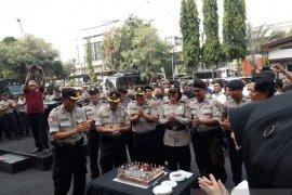 Kapolres Jakut rayakan ulang tahun 44 anggota
