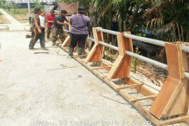 Jembatatan Beton Desa Sebrang Sanglar Selesai Dikerjakan Satgas TMMD Ke-106