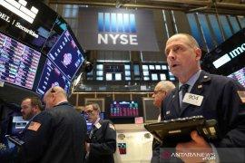 Wall Street berakhir lebih kuat di tengah berbagai data ekonomi