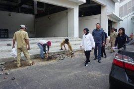 Wali Kota Risma inspeksi ke stadion GBT