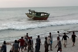 Nelaya tangkap kapal pengguna pukat harimau di Mukomuko