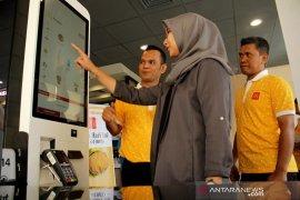 McDonalds membuka gerai baru di Gowa Page 1 Small