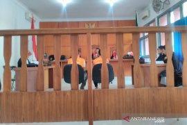 Terdakwa penjualan trenggiling ditegur Majelis Hakim