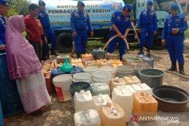 Polres Bangka Barat salurkan bantuan air bersih kepada warga