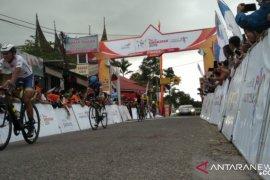 Etape terpanjang Tour de Singkarak 2019 menantang pembalap di Solok