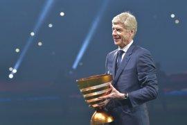 Lamaran Arsene Wenger jadi manajer ditolak Bayern