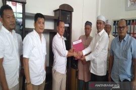 Aswin Parinduri  juga kembalikan formulir pendaftaran ke Gerindra Madina