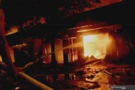 Kebakaran Pasar Ngunut Tulungagung hanguskan 70 persen kios pedagang