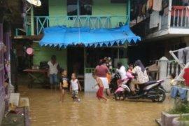 Sungai meluap, rumah warga terendam di Langsa