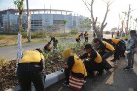 Ribuan warga ikuti kerja bakti massal di Stadion GBT Surabaya