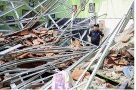 Dua kontraktor jadi tersangka kasus atap sekolah ambruk yang akibatkan korban jiwa
