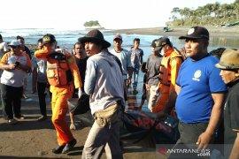 Petugas temukan pencari kerang hilang sepekan di Laut Pangandaran