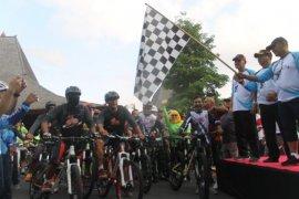 "Ratusan peserta meriahkan acara ""gowes"" bareng di Tulungagung"