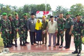 Hari Pahlawan di Labura, pembagian tali asih kepada janda veteran mewarnai