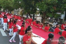 Kirab Merah Putih warnai peringatan Hari Pahlawan di Malra dan Tual