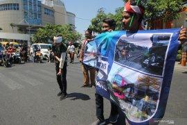 Kampanye disiplin berlalu lintas di perlintasan KA
