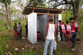 Tim WASH PMI bangun MCK untuk korban gempa Ambon