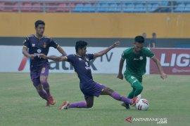Persik Kediri dan PSMS Medan bermain seri di laga perdana delapan besar Page 2 Small
