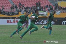 Persik Kediri dan PSMS Medan bermain seri di laga perdana delapan besar Page 4 Small