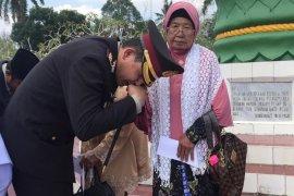 Kapolres Bangka salurkan santunan bagi istri veteran