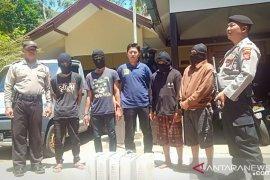 Polisi ringkus empat pencuri baterai BTS telepon seluler