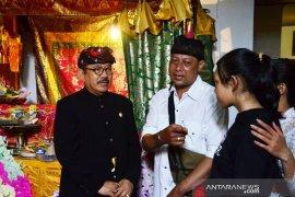 Wagub Bali melayat ke rumah peserta TLCI yang meninggal