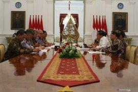 Presiden Jokowi terima kunjungan KPU di Istana